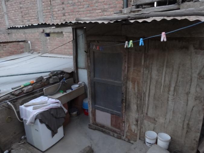 laundry area Yanacoto