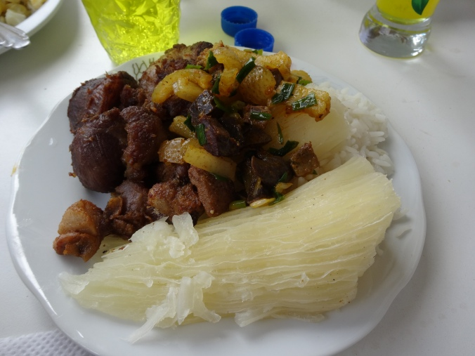 chicharron con yuca