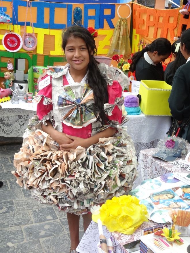 DIY Newspaper dress recycle Peru