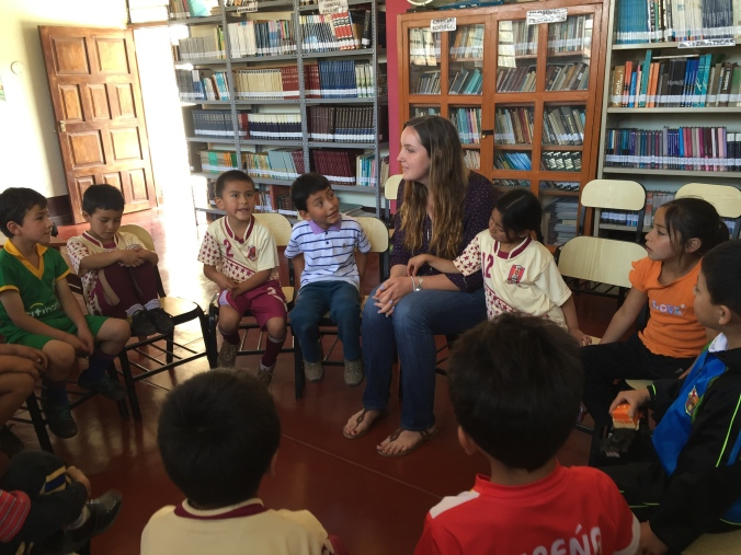 Peace Corps volunteer library reading club Primaria Peru Cajamarca