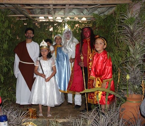 Los tres reyes magos Peru Christmas tradition live nativity