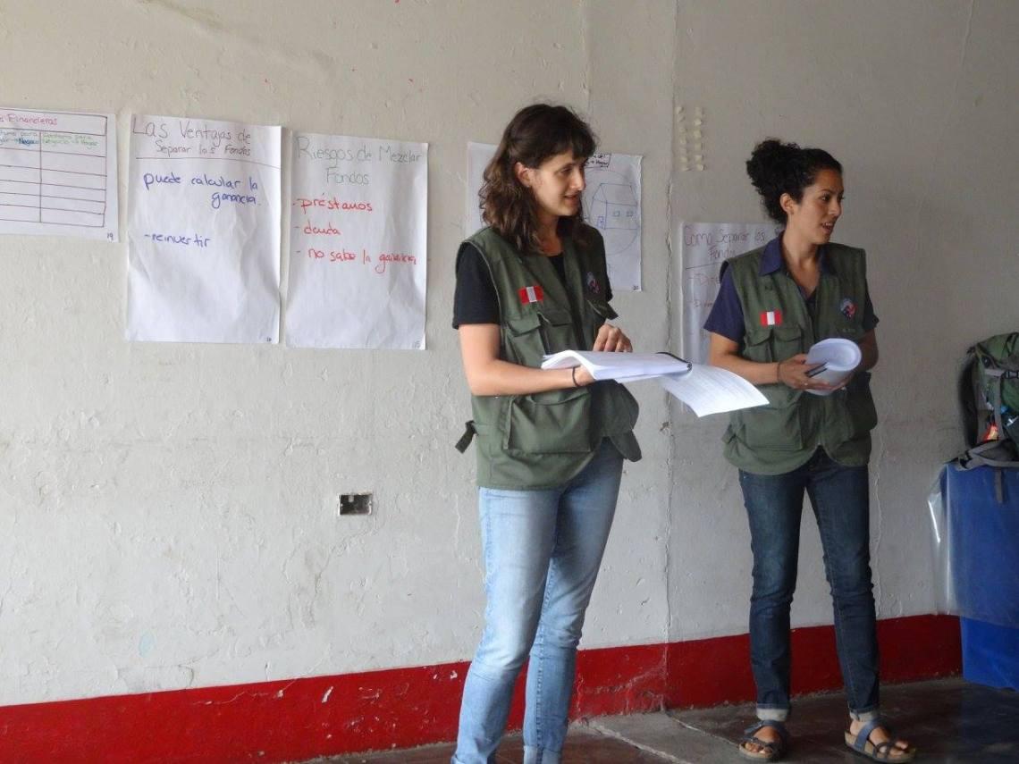 Teaching wearing the Cuerpo de Paz Peru Vest blog post 2016