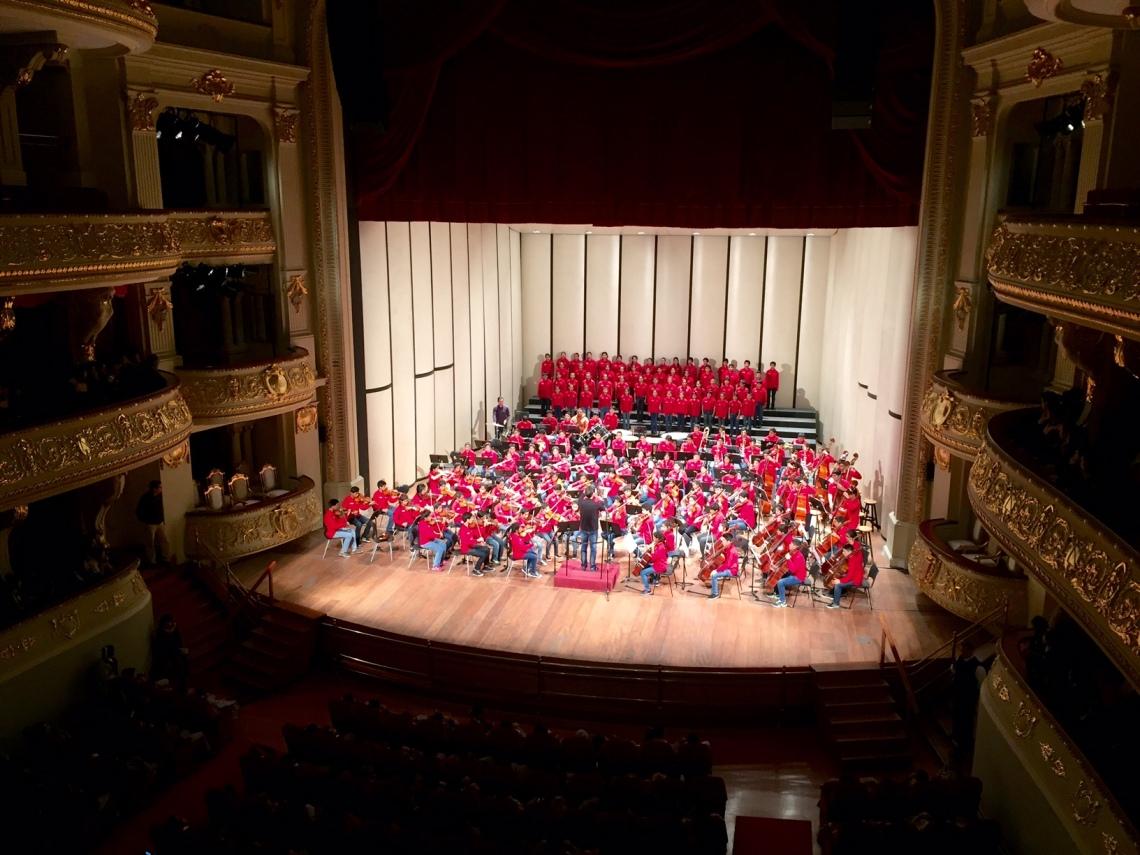 Sinfonia por el Peru youth symphony concert Peace Corps